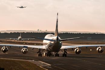 N180UA - United Airlines Boeing 747-400