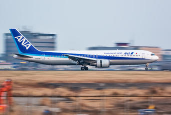 JA8578 - ANA - All Nippon Airways Boeing 767-300