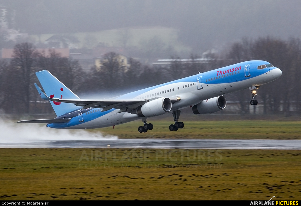 Thomson/Thomsonfly G-CPEV aircraft at Innsbruck