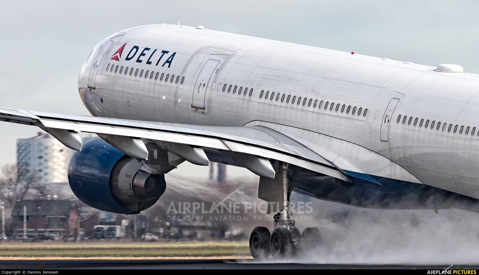 Delta Air Lines N818NW aircraft at Amsterdam - Schiphol