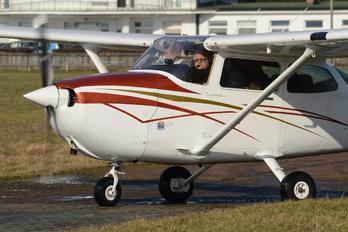 SP-KHE - Private Cessna 172 Skyhawk (all models except RG)