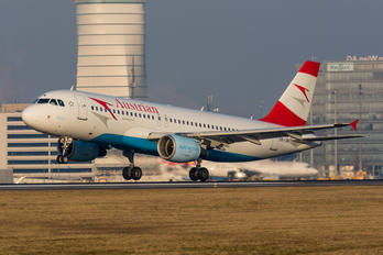 OE-LBK - Austrian Airlines/Arrows/Tyrolean Airbus A320