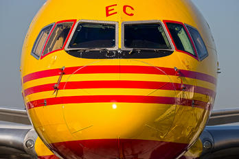 D-ALEC - DHL Cargo Boeing 757-200