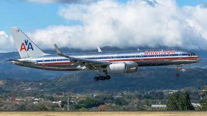N676AN - American Airlines Boeing 757-200