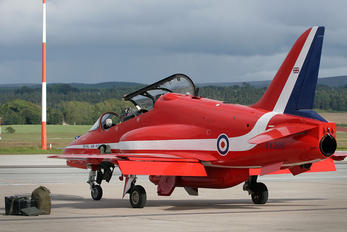 "XX306 - Royal Air Force ""Red Arrows"" British Aerospace Hawk T.1/ 1A"