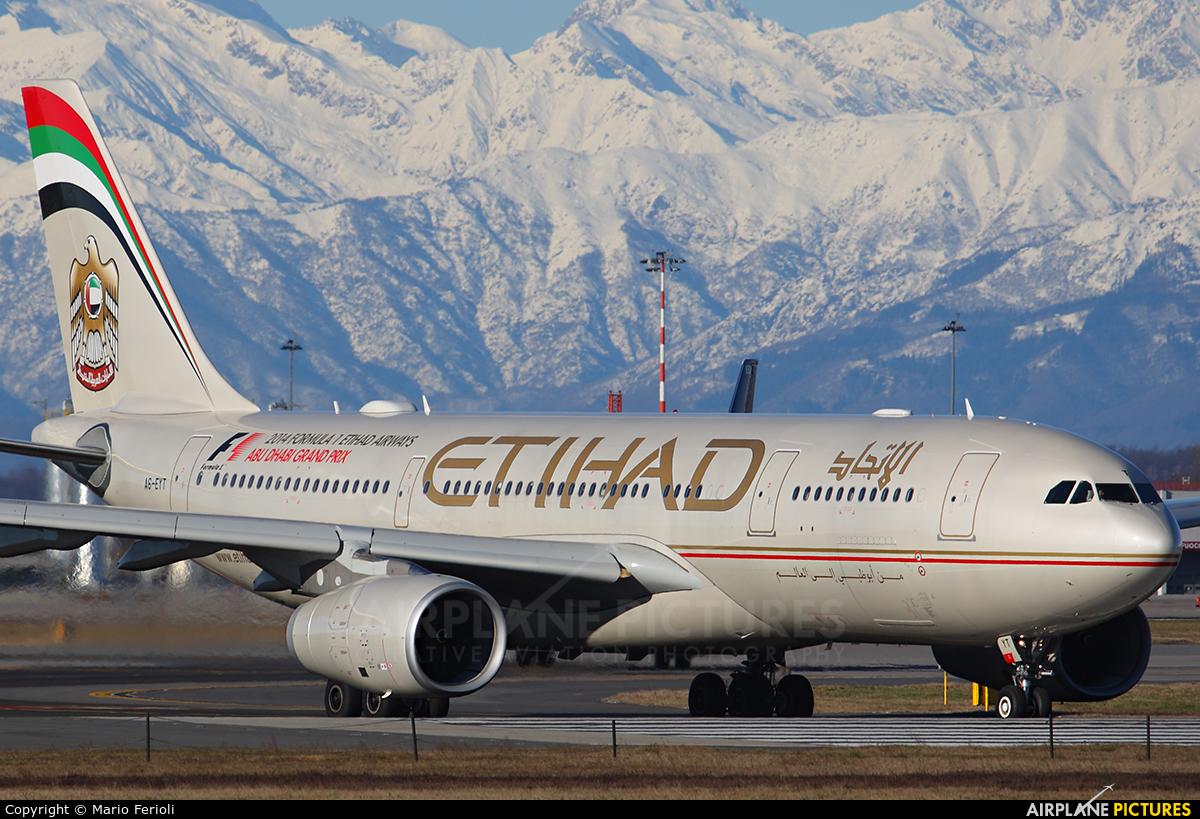 Etihad Airways A6-EYT aircraft at Milan - Malpensa