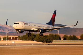 N387DA - Delta Air Lines Boeing 737-800