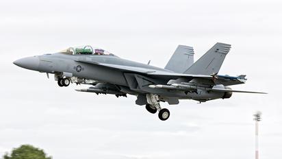 166923 - USA - Navy McDonnell Douglas F/A-18F Super Hornet