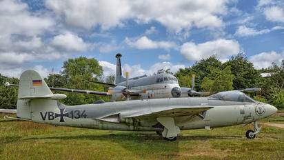 VB+134 - Germany - Navy Hawker Sea Hawk Mk. 100