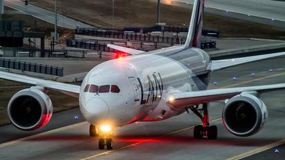 CC-BBJ - LAN Airlines Boeing 787-8 Dreamliner
