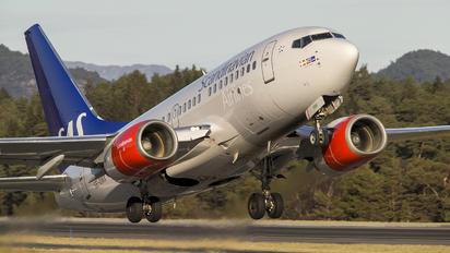 SE-DNX - SAS - Scandinavian Airlines Boeing 737-600