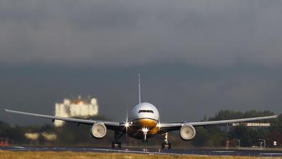 V8-BLB - Royal Brunei Airlines Boeing 777-200ER