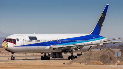 - - ANA - All Nippon Airways Boeing 767-300