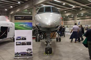 - - Private Dassault Falcon 200