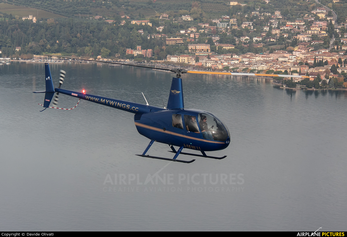 Private I-MWII aircraft at In Flight - Italy
