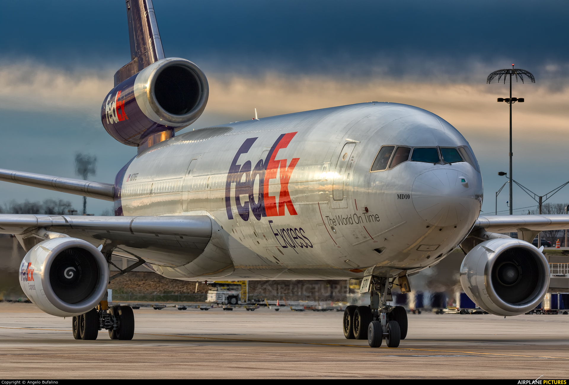 N370FE - FedEx Federal Express McDonnell Douglas MD-10-10F at ...