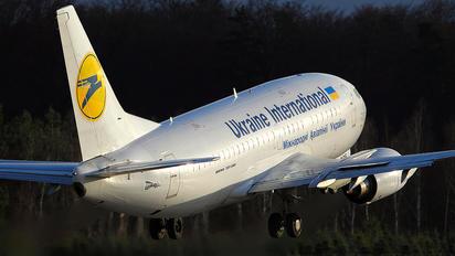 UR-GBE - Ukraine International Airlines Boeing 737-500