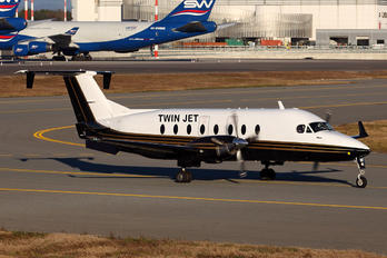 F-GLNF - Twin Jet Beechcraft 1900D Airliner
