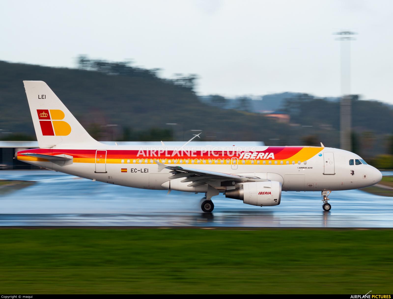 Iberia EC-LEI aircraft at La Coruña