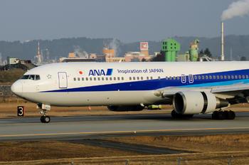 JA8670 - ANA - All Nippon Airways Boeing 767-300