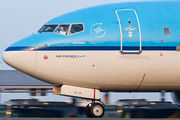 PH-BGU - KLM Boeing 737-700 aircraft