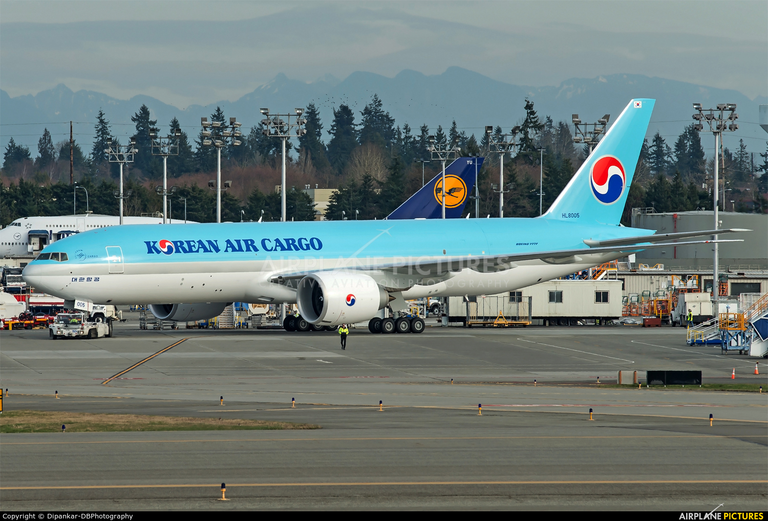 Korean Air Cargo HL8005 aircraft at Everett - Snohomish County / Paine Field