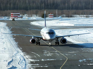RA-89025 - Aeroflot Sukhoi Superjet 100