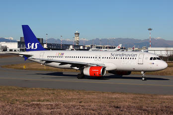 SE-RJF - SAS - Scandinavian Airlines Airbus A320