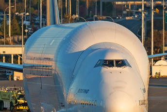 N747BC - Boeing Company Boeing 747-400LCF Dreamlifter