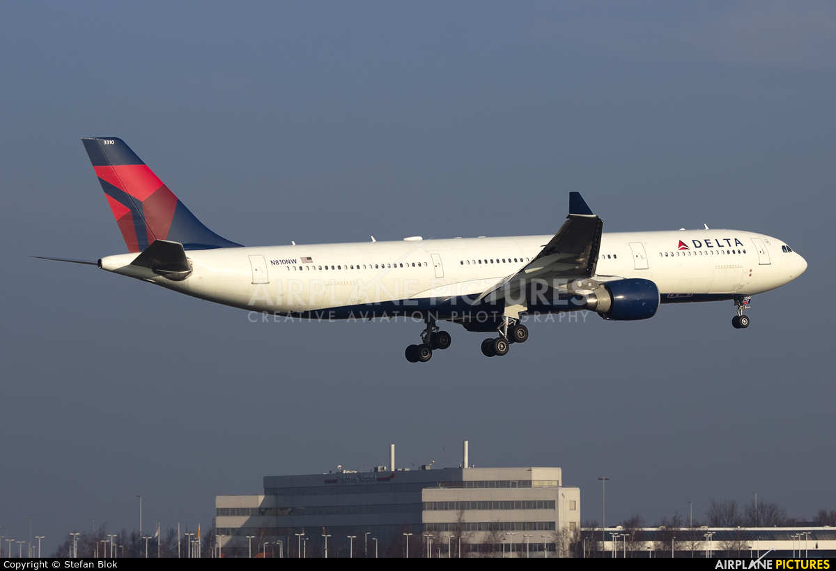 Delta Air Lines N810NW aircraft at Amsterdam - Schiphol
