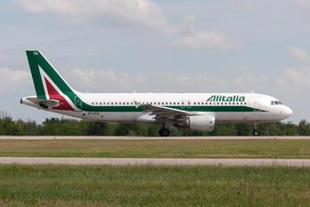 EI-DTB - Alitalia Airbus A320