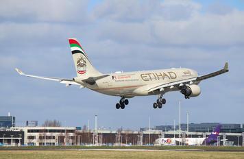 A6-AGA - Etihad Airways Airbus A330-300