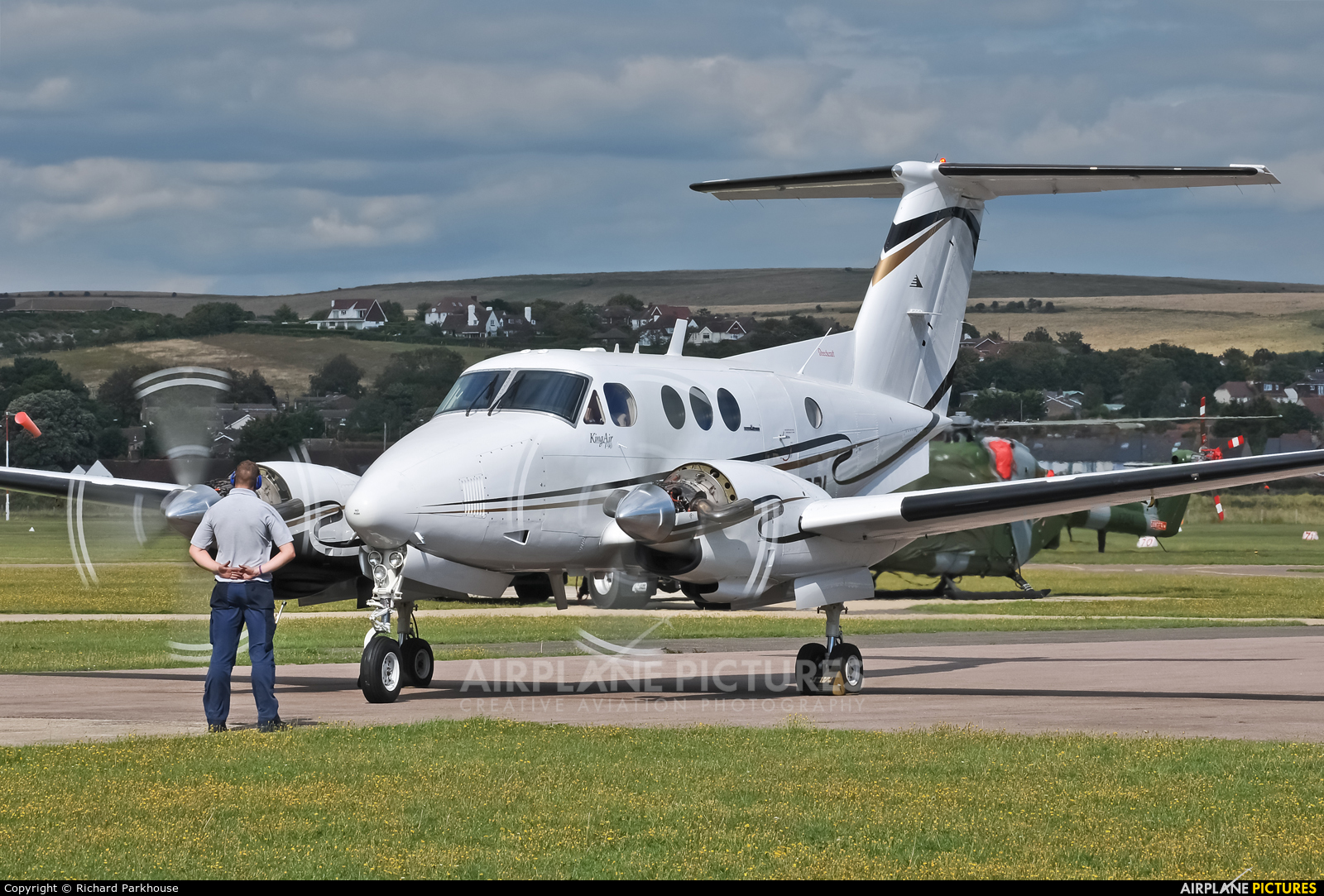 Private N402BL aircraft at Brighton - Shoreham