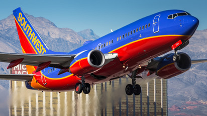 N7744A - Southwest Airlines Boeing 737-700