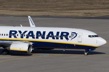 EI-EBT - Ryanair Boeing 737-800