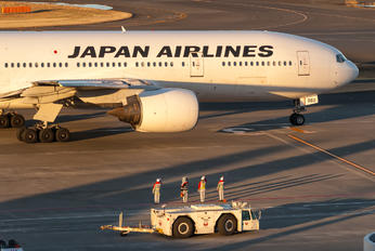 JA8983 - JAL - Japan Airlines Boeing 777-200