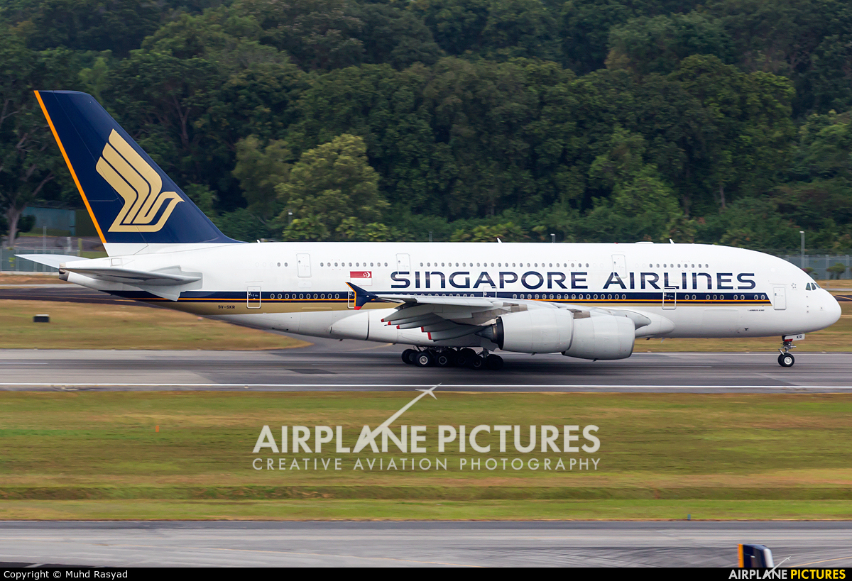 Singapore Airlines 9V-SKR aircraft at Singapore - Changi