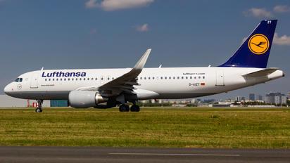 D-AIZT - Lufthansa Airbus A320
