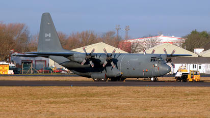130335 - Canada - Air Force Lockheed CC-130H Hercules