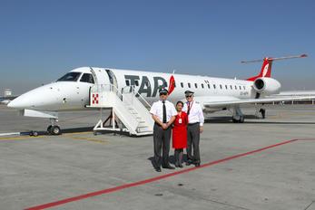 XA-MFH - TAR Aerolineas - Airport Overview - People, Pilot