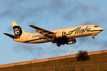 N764AS - Alaska Airlines Boeing 737-400(Combi)