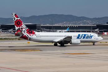 UR-UTP - UTair Ukraine Boeing 737-800