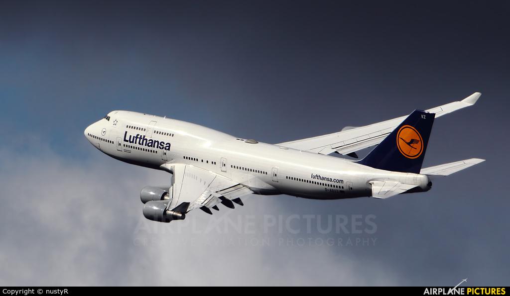 Lufthansa D-ABVZ aircraft at Frankfurt