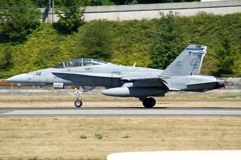 165408 - USA - Marine Corps McDonnell Douglas F-18D Hornet