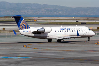 N679SA - United Express - SkyWest Canadair CL-600 CRJ-200