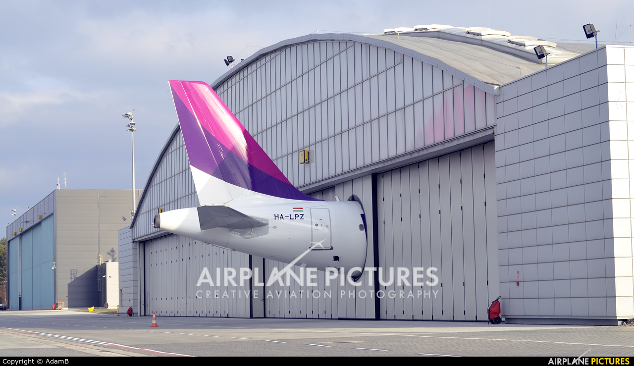 Wizz Air HA-LPZ aircraft at Katowice - Pyrzowice
