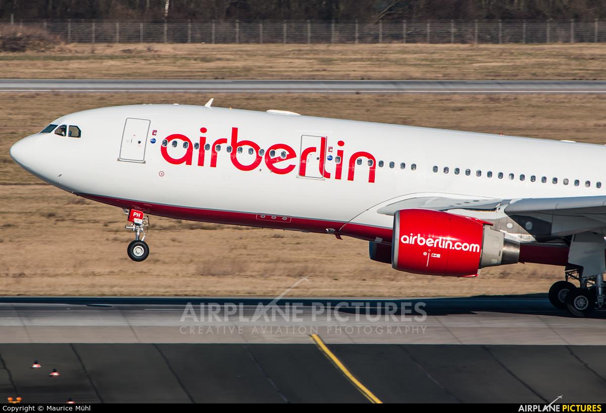 Air Berlin D-ALPH aircraft at Düsseldorf