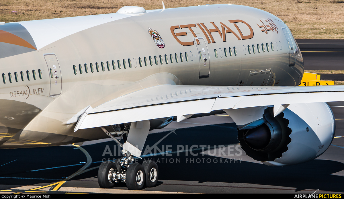 Etihad Airways A6-BLB aircraft at Düsseldorf