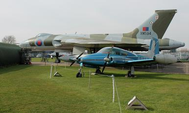 XM594 - Royal Air Force Avro 698 Vulcan B.2