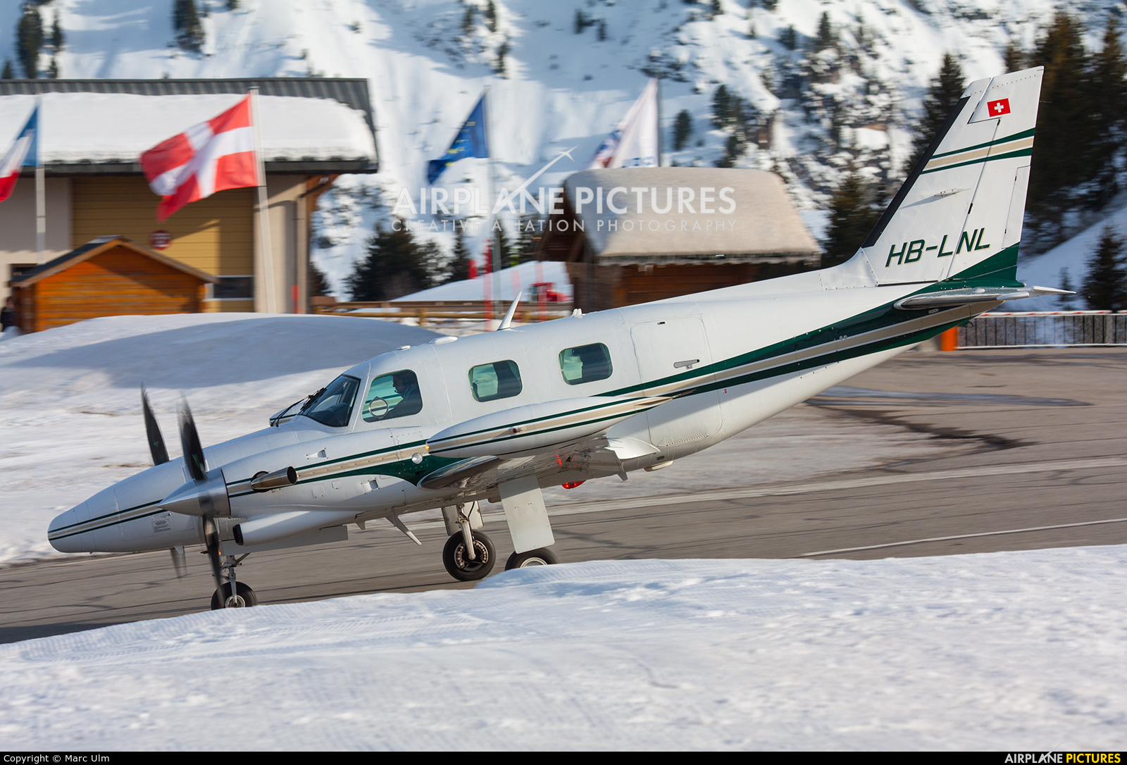 Private HB-LNL aircraft at Courchevel